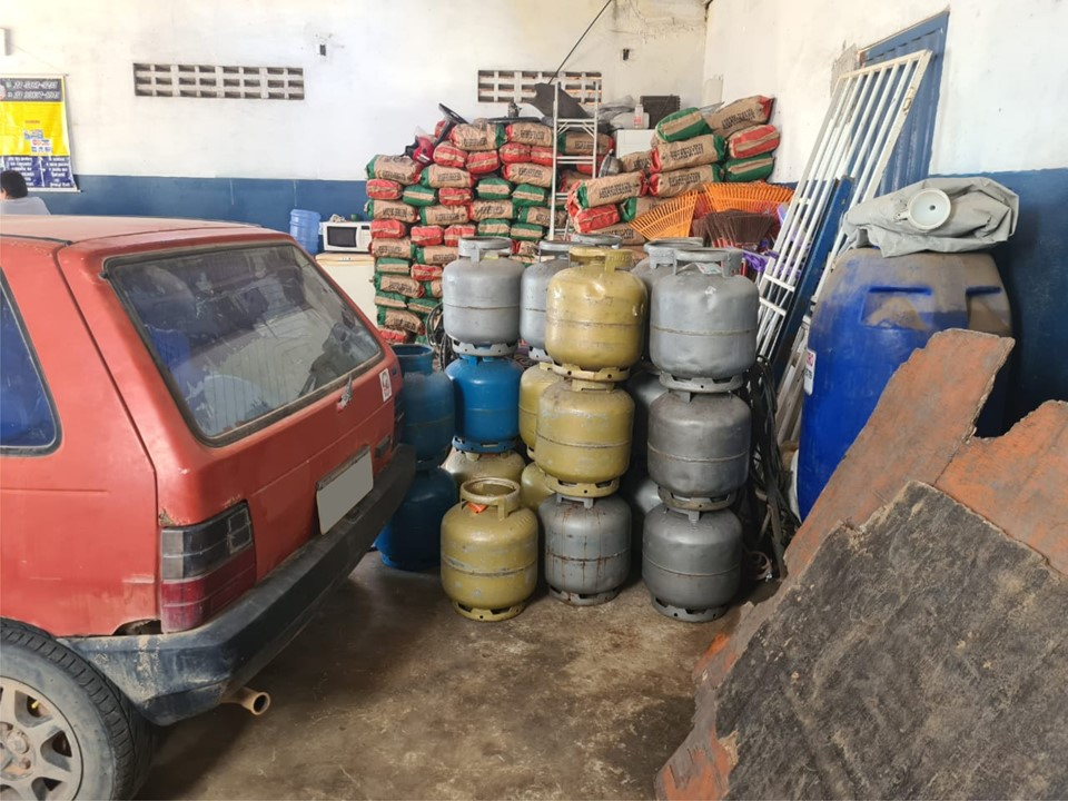 PCES e ANP fiscalizam postos de combustíveis e revendas de gás de cozinha