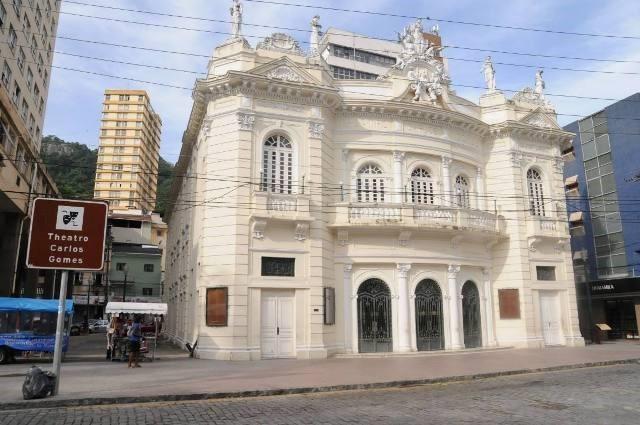 Governo do Estado inicia trabalho de elaboração do projeto de restauro e modernização do Teatro Carlos Gomes