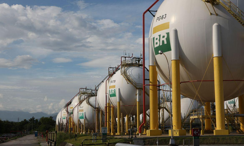 Gasolina e diesel ficam mais baratos hoje nas refinarias