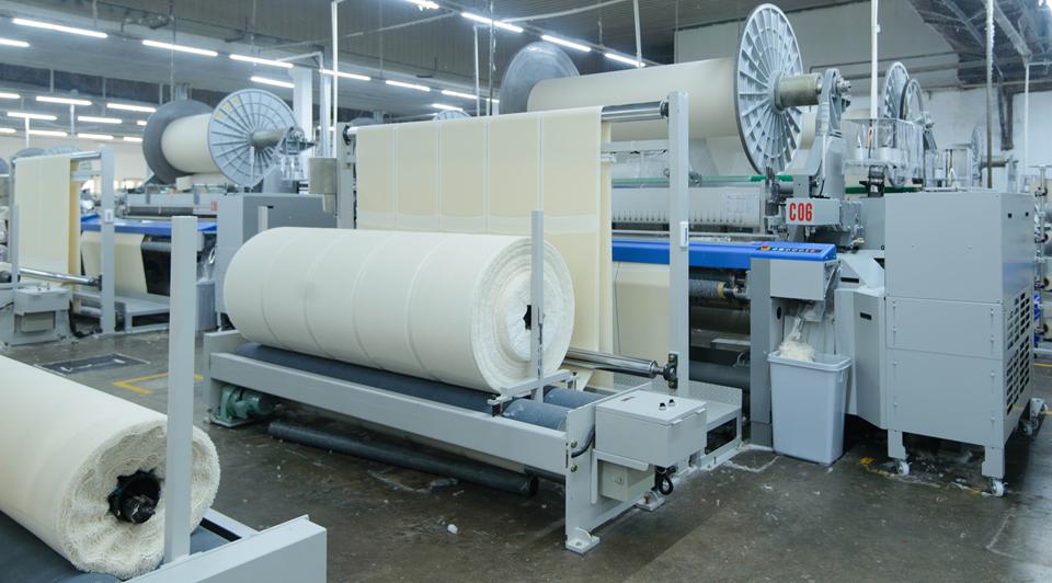 Cadeia produtiva da indústria têxtil, de confecções e calçados tem recursos com o Bandes