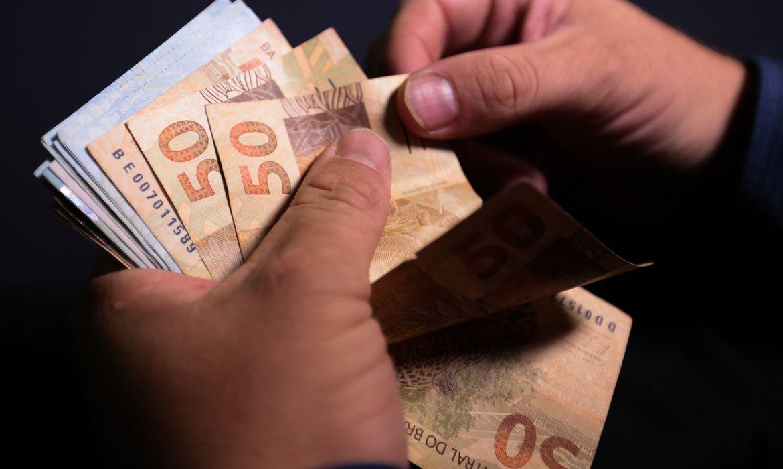 Décimo terceiro salário deve injetar R$ 208 bi na economia