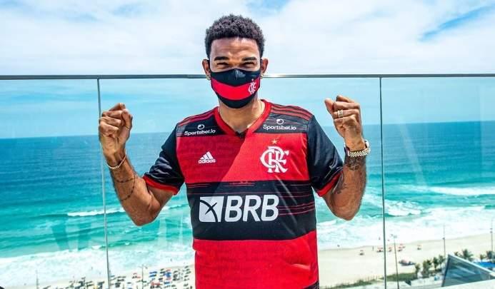 """Flamengo anuncia contratação do zagueiro Bruno Viana, ex-Braga: """"Não vejo a hora"""""""
