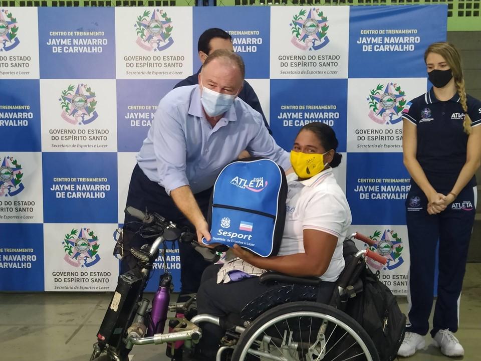 Governo do Estado realiza entrega de kits esportivos para contemplados pelo Bolsa Atleta