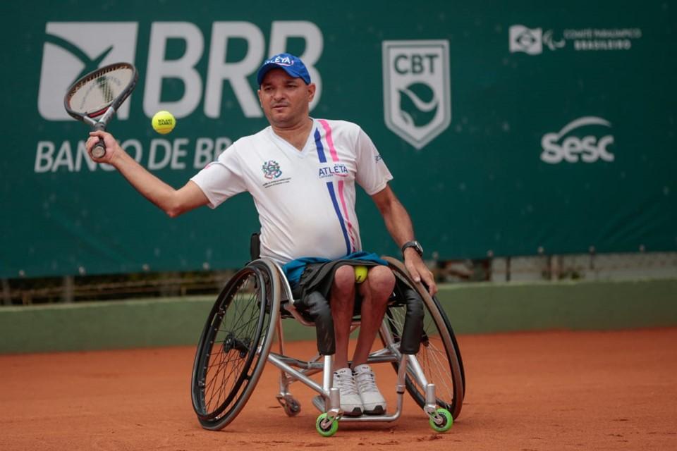 Servidor da Sefaz é destaque no tênis em cadeira de rodas