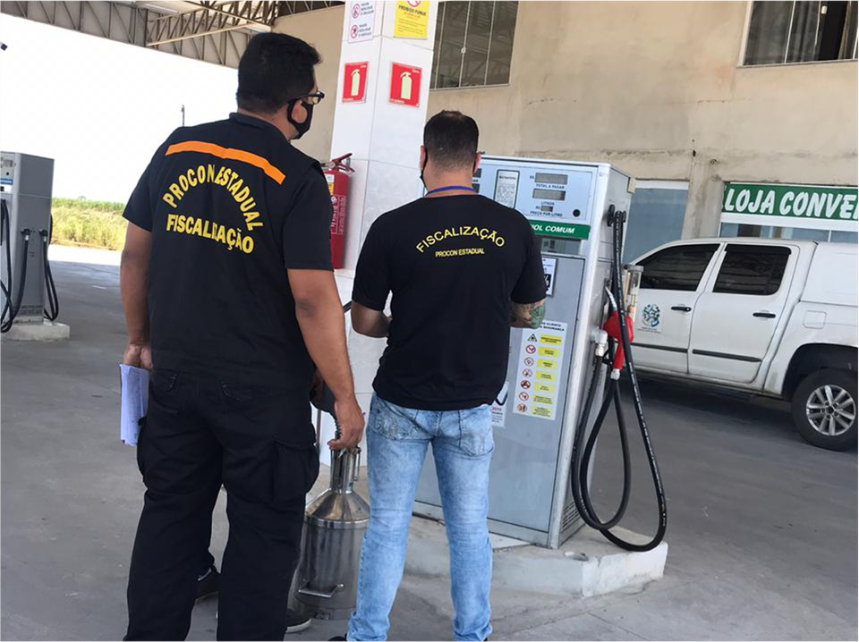 Procon-ES fiscaliza postos de combustíveis em Marataízes