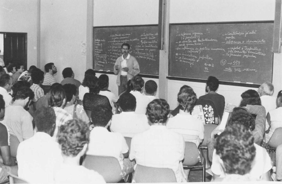 Arquivo Público recebe coleção documental do ex-governador Vitor Buaiz