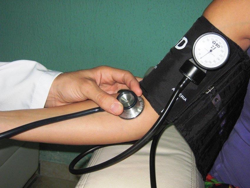 Hipertensos podem apresentar prescrições médicas como comprovação da comorbidade
