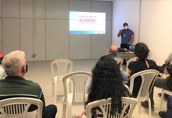 Agerh e Defesa Civil Estadual fortalecem parceria em reunião sobre o programa Alerta!ES