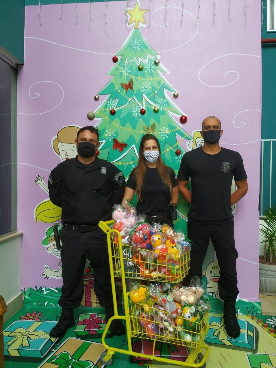 Unidades prisionais fazem doação de brinquedos a crianças de Cachoeiro de Itapemirim