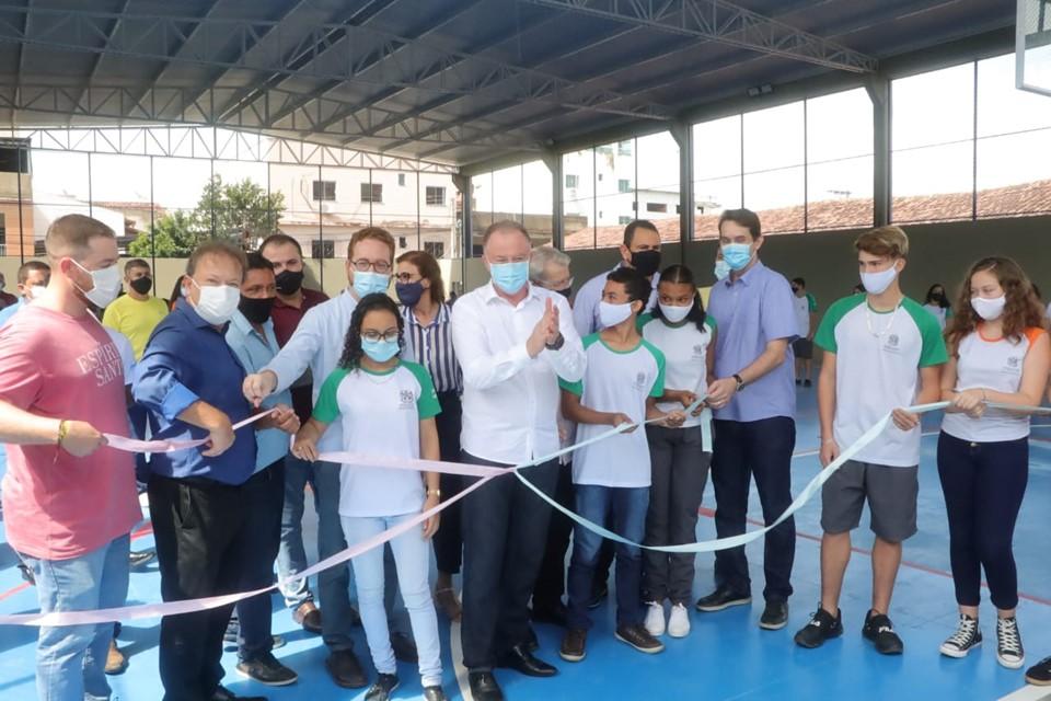 Casagrande inaugura obra em escola e anuncia mais investimentos para Colatina