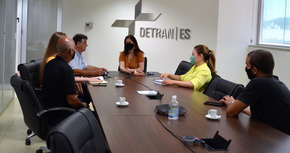 Detran|ES recebe prefeitos de Iconha e São José do Calçado para tratar sobre novos serviços de sinalização