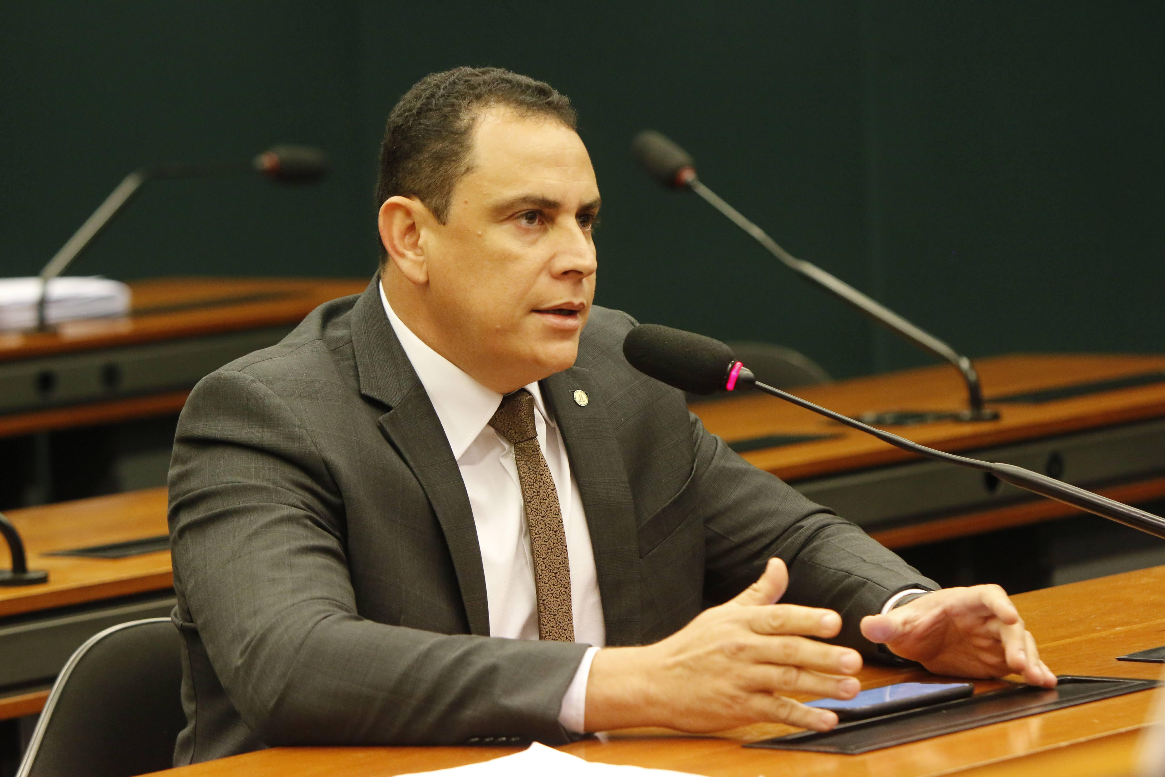 Comissão aprova projeto de Da Vitória para que laudo de autismo tenha prazo indeterminado