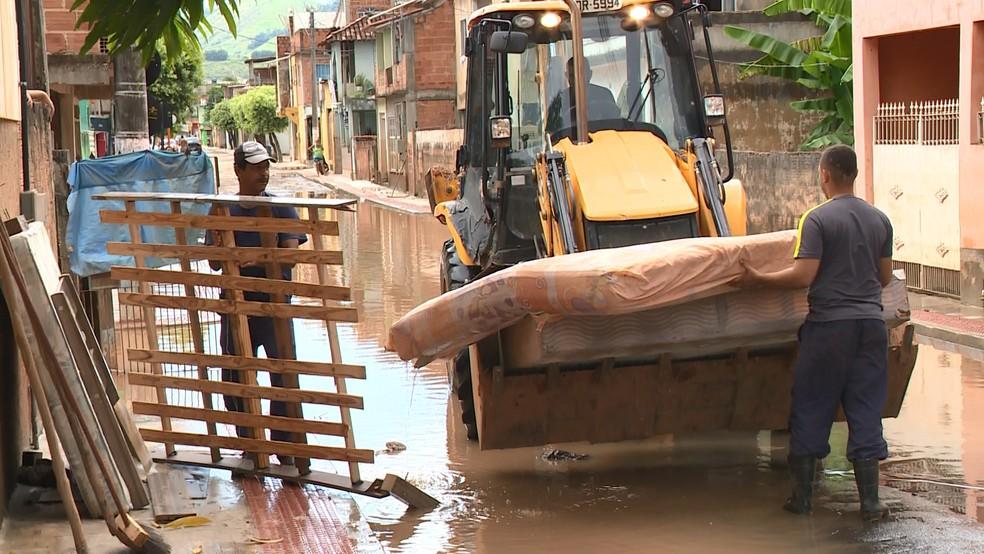 Aumenta número de pessoas fora de casa após novas chuvas no ES