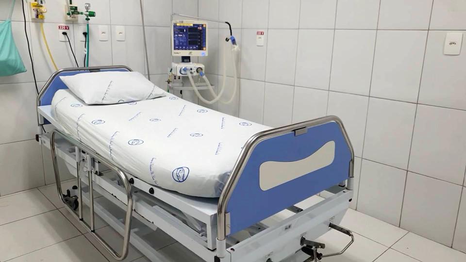 Governador visita novos leitos Covid abertos no Hospital Santa Casa Castelense