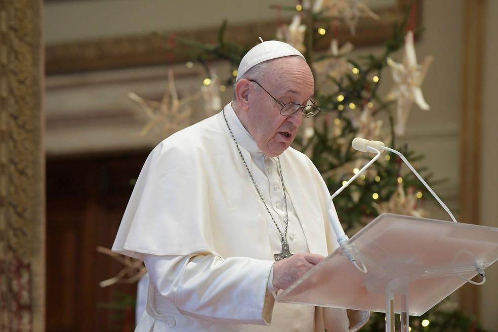 Papa Francisco não conduzirá missas de Ano Novo em razão de dor ciática