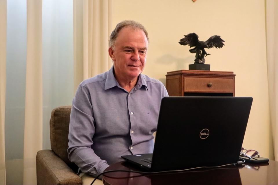 Novos residentes em saúde são acolhidos pelo governador em evento on-line