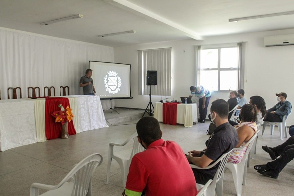 Seag apresenta projeto Píer Móvel ao município de Montanha