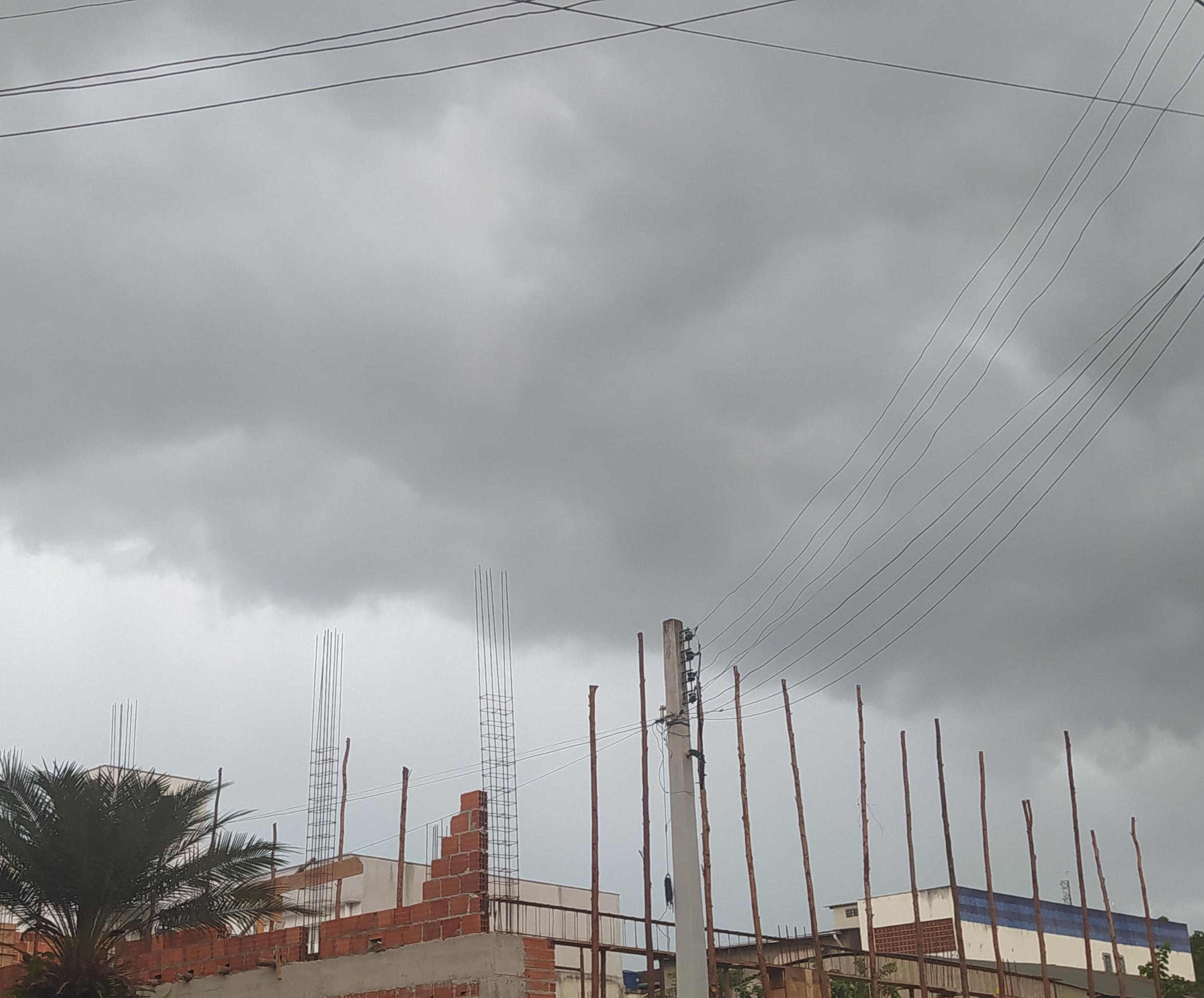 Alerta de granizo e tempestade para todo o ES; chuva deve continuar até o final do mês
