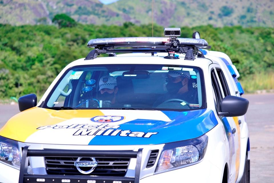 Polícia Militar testa equipamento móvel de leitura de placas veiculares
