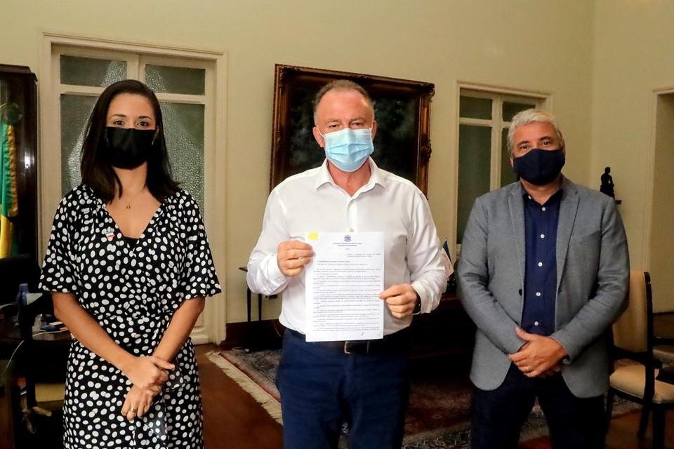 Lei do Programa de Geração de Energias Renováveis do Espírito Santo é sancionada pelo governador