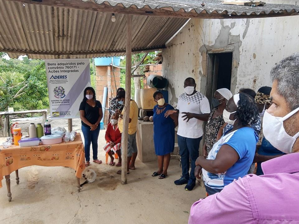Aderes entrega kit farinheira para comunidade quilombola no Dia da Consciência Negra