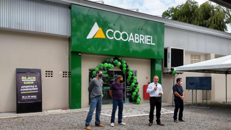 Nova loja da Cooabriel em Guaraná (Aracruz) é inaugurada