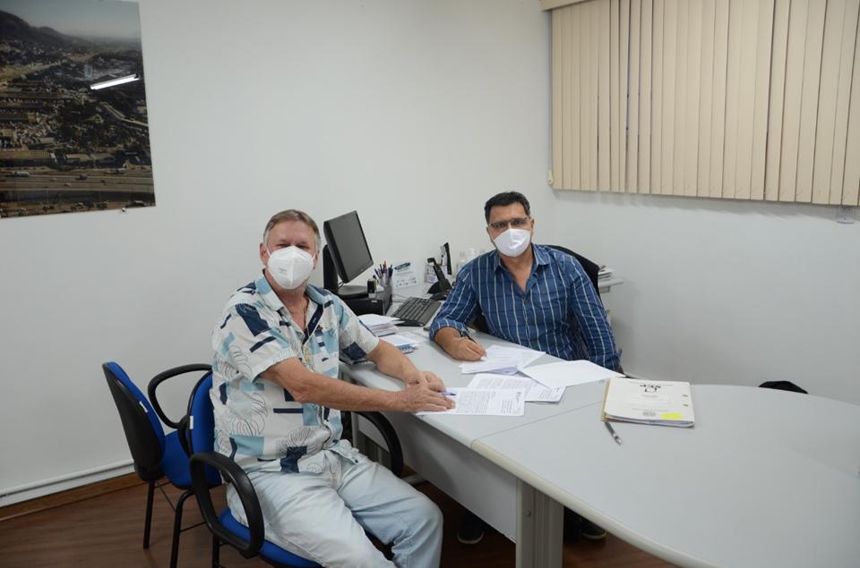 Ceasa e Prefeitura de Domingos Martins assinam convênio