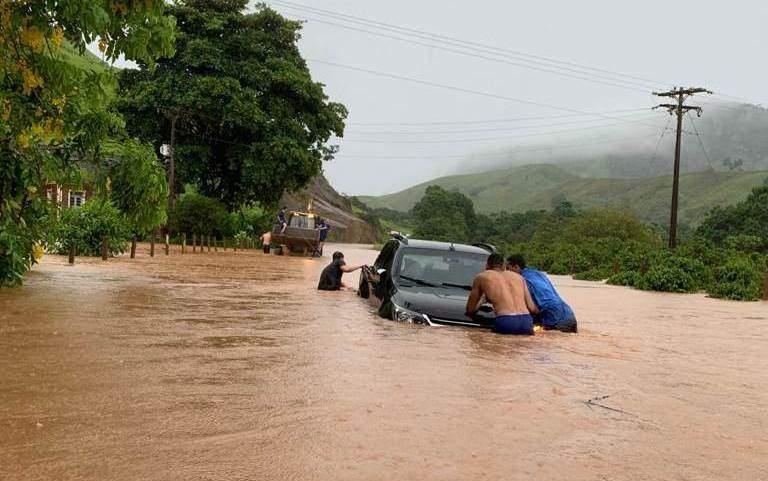 Rodovias do ES são interditadas por causa das fortes chuvas. Confira os trechos!