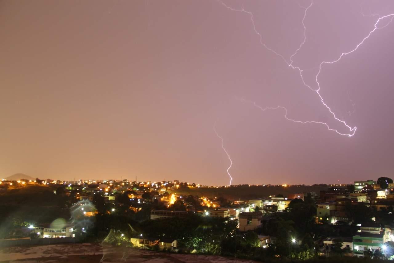 Alerta de tempestade e chuvas intensas continua em vigor para todo o Espírito Santo