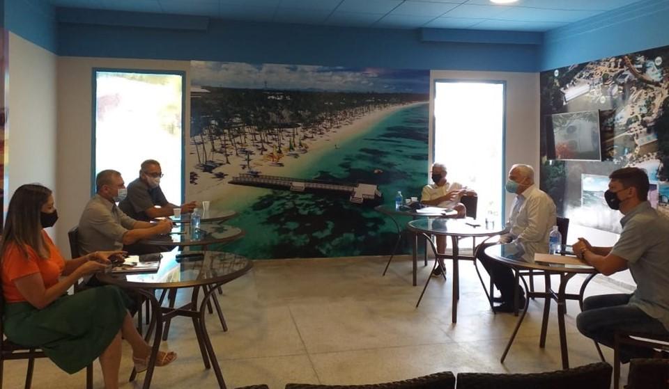 Setur debate soluções para crise com trade turístico de Guarapari