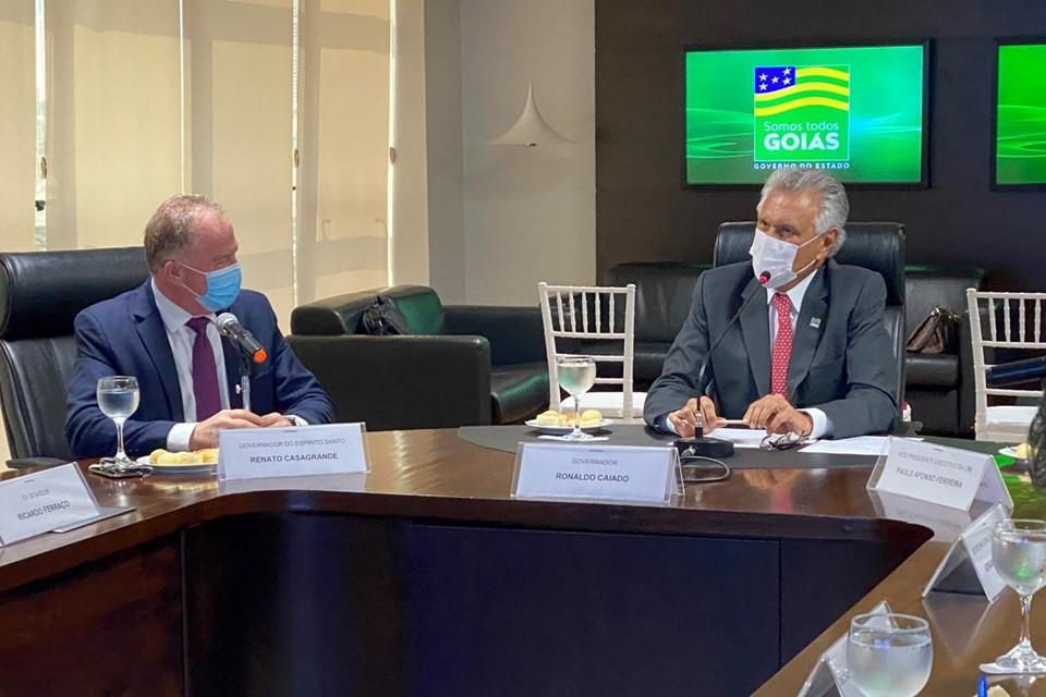 Casagrande se reúne com governadores de GO e MG em defesa do Corredor Centro-Leste