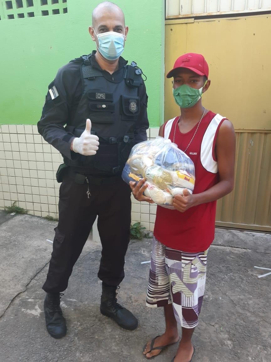 Unidade prisional arrecada 70 cestas básicas para instituição de Vila Velha