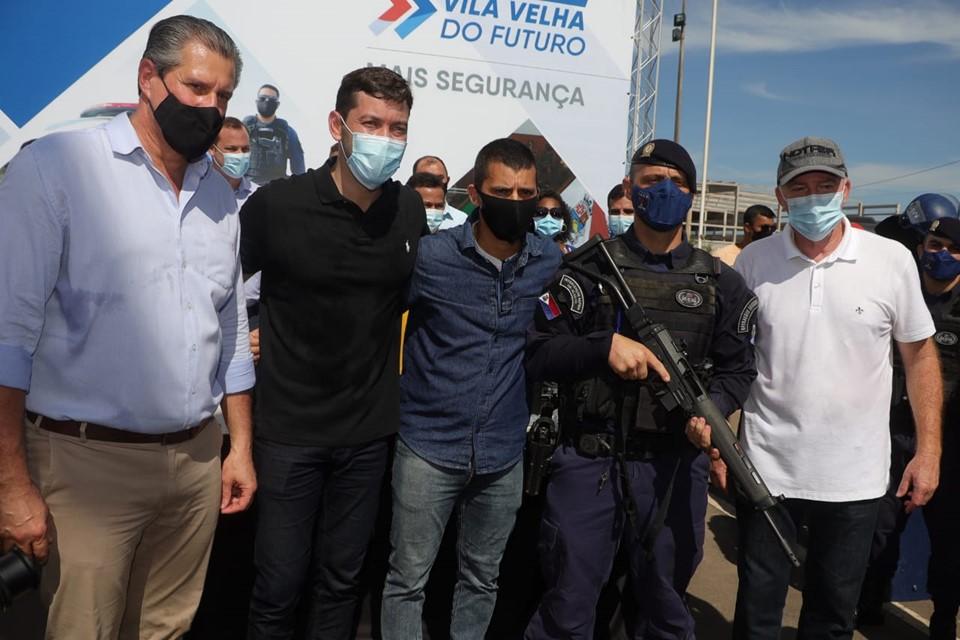Estado anuncia investimentos em infraestrutura urbana e faz doação de armas de fogo para Guarda Municipal de Vila Velha