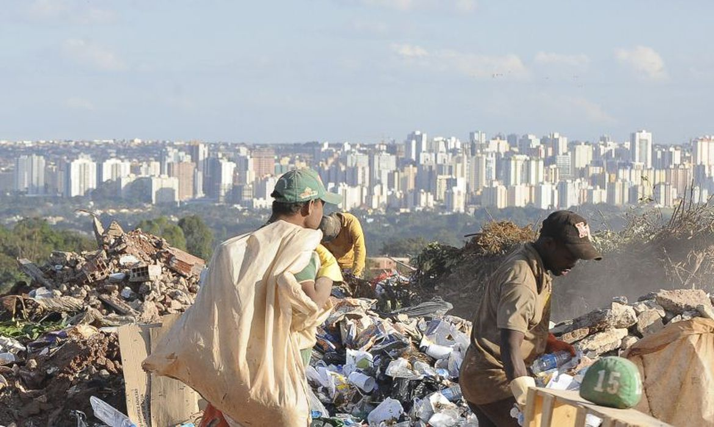 Marco do Saneamento: Brasil desativa 600 lixões em um ano