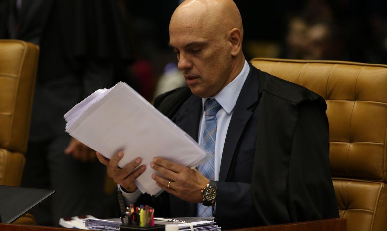 Com ordem de Moraes, PF prende em flagrante deputado Daniel Silveira