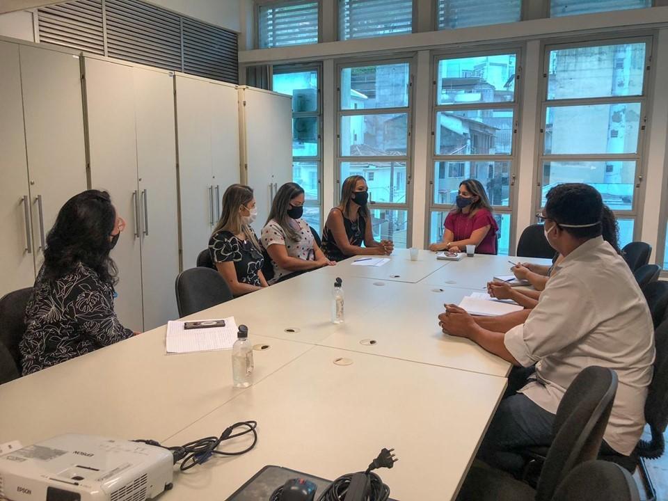 SEDH e equipe da Prefeitura de Cariacica se reúnem para debater políticas para mulheres
