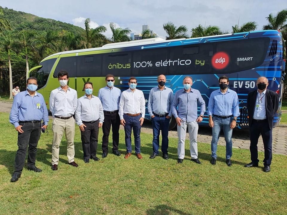 Governador do Estado faz viagem no primeiro ônibus rodoviário elétrico do País