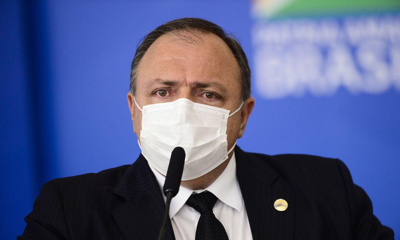 Ao Congresso, Pazuello nega atraso em cronograma de vacinação
