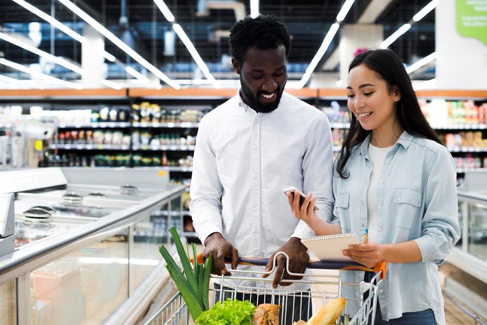 Procon-ES orienta sobre compra de alimentos e dá dicas para fazer ceia mais barata