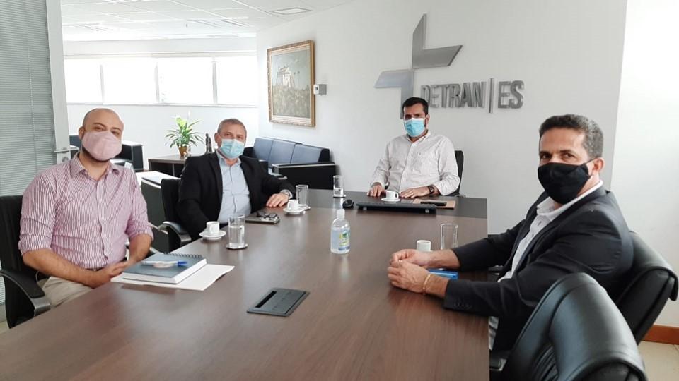 Detran|ES e Setur assinam acordo para sinalização turística nos municípios