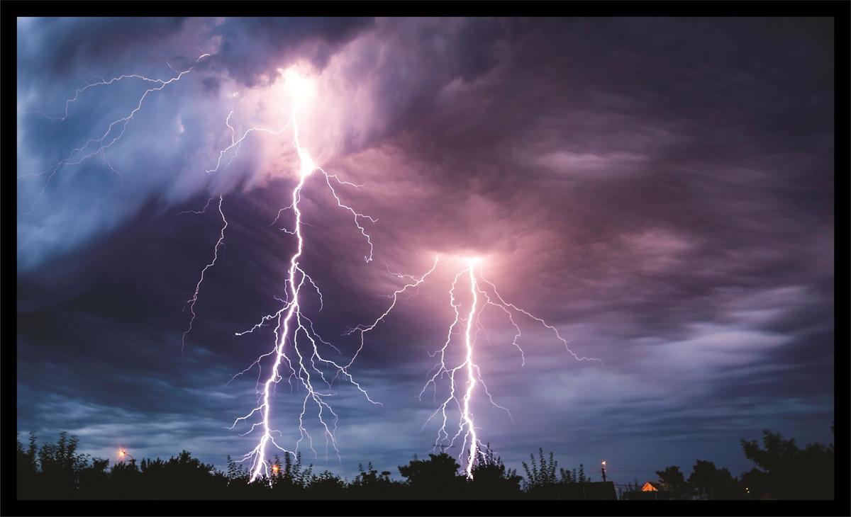 Alerta de tempestade, chuvas intensas, vendaval e granizo é emitido para todo o ES