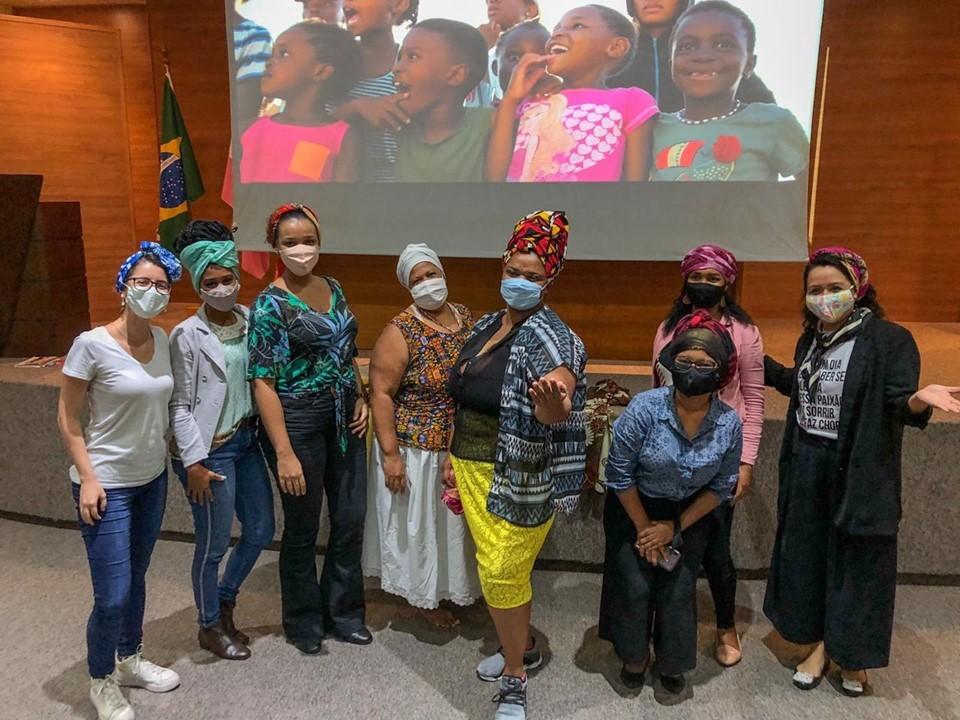 Oficina de Turbante vira aula de história e cultura durante Novembro Negro da SEDH