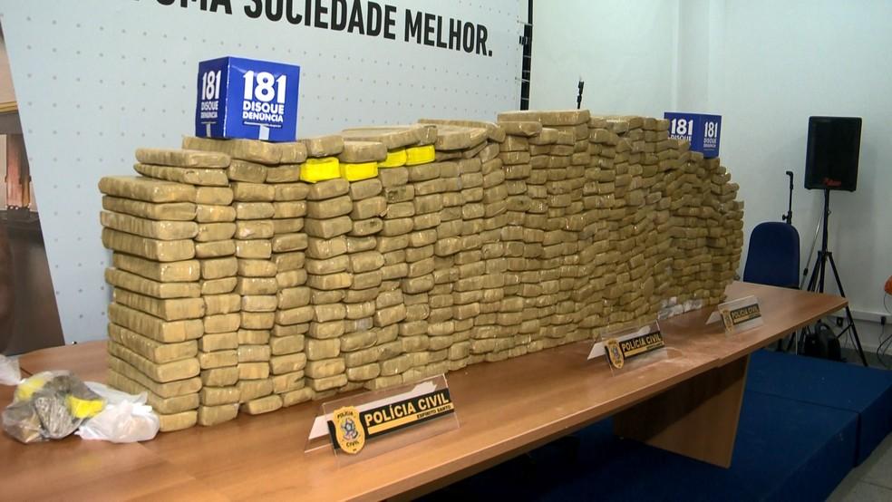 Polícia apreende 300 quilos de maconha em sítio de Vila Velha