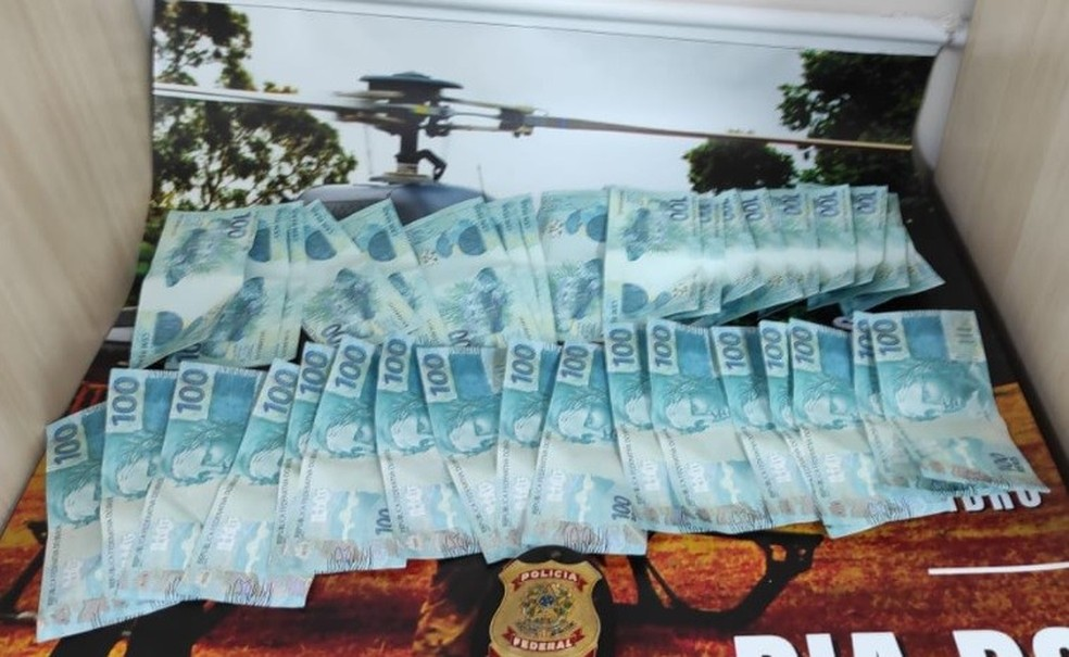 Pessoa é presa em flagrante recebendo dinheiro falso pelos Correios no ES