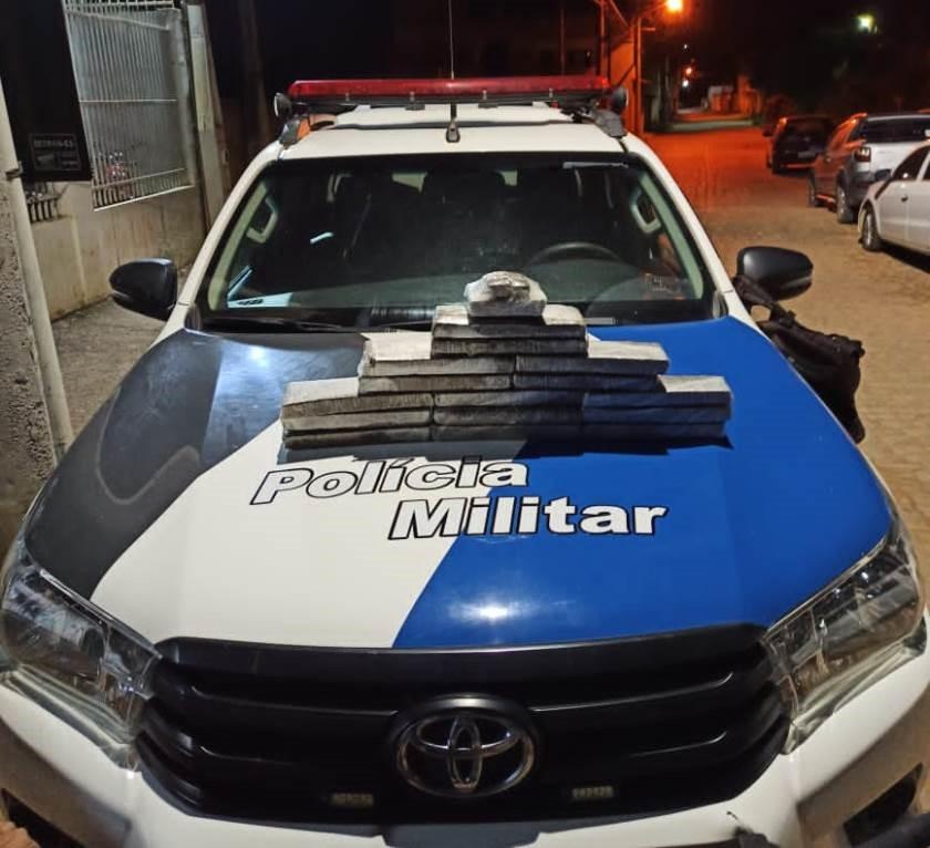 Polícia Militar apreende 10 quilos de maconha em Barra de São Francisco