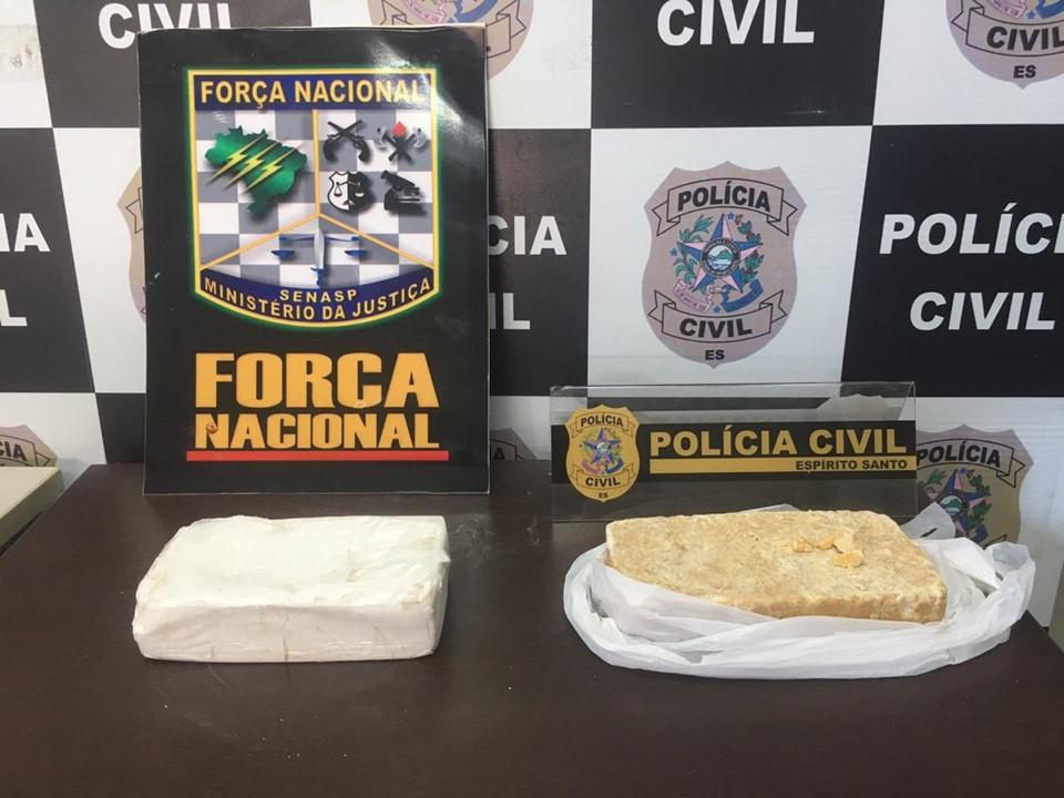 Denarc prende em flagrante mulher de 62 anos por tráfico de drogas em Viana