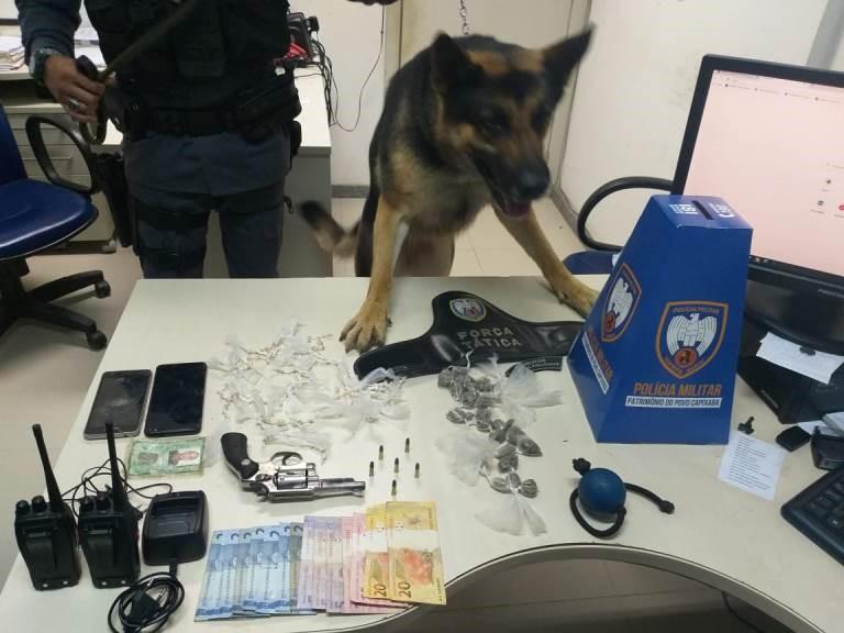 PM apreende arma, munições e grande quantidade de droga em São Gabriel da Palha