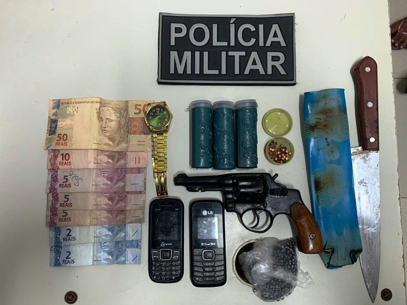 Homem que ameaçava família no Córrego São João é detido com arma de fogo