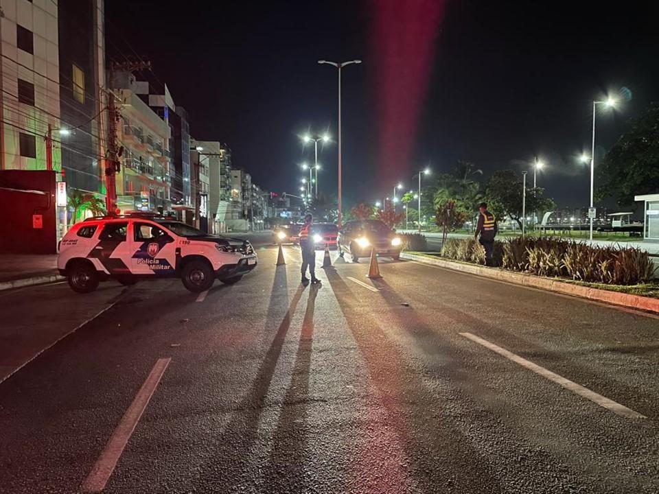 Homens são detidos por furto de fio de cobre em Vitória