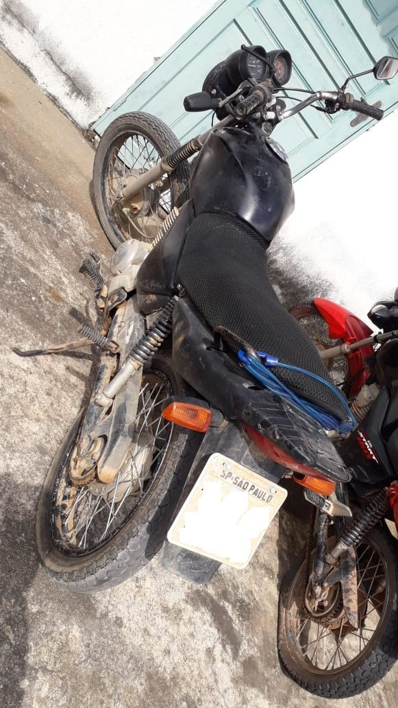 PM recupera motocicleta com restrição de furto/roubo em Vila Pavão